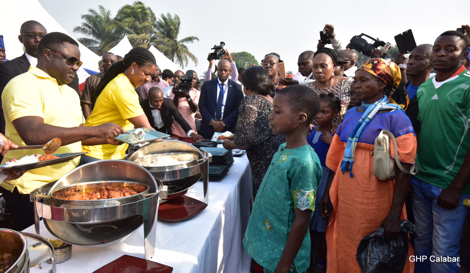 governor-ben-ayade-49th-birthday-with-bakassi-idps