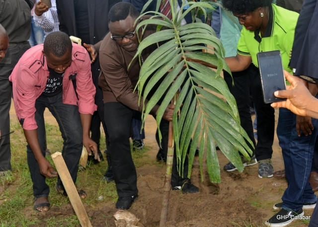 Ayade, ex-Milads plant trees to mark Cross River at 50