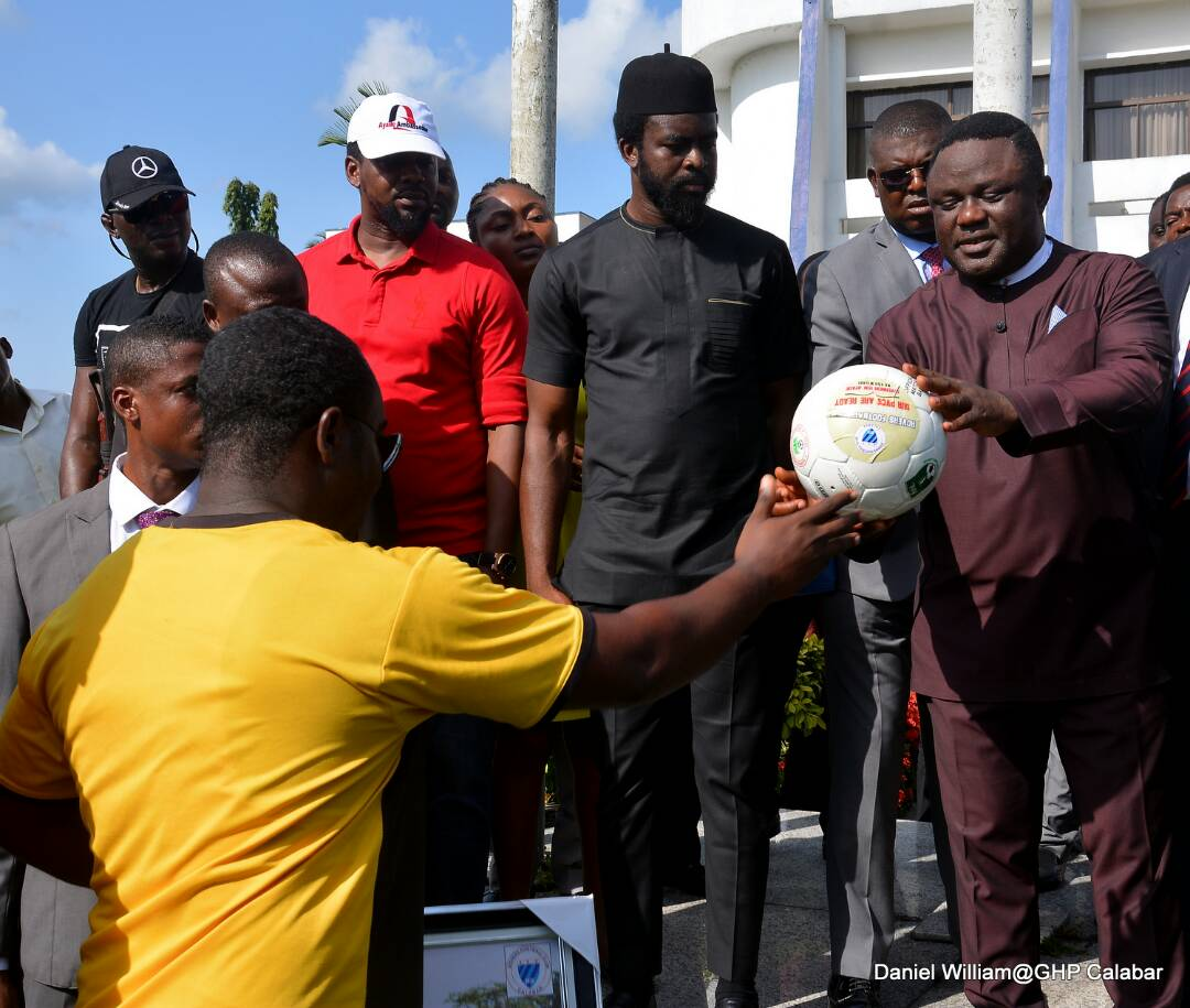 Ayade donates buses to Rovers, Pelican Stars, increases imprest to N5m, places 100 fans club members on monthly salary