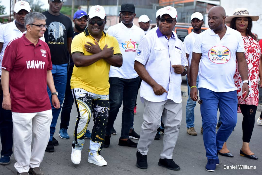 Calabar carnival: Ayade preaches humanity, calls for an end to wars