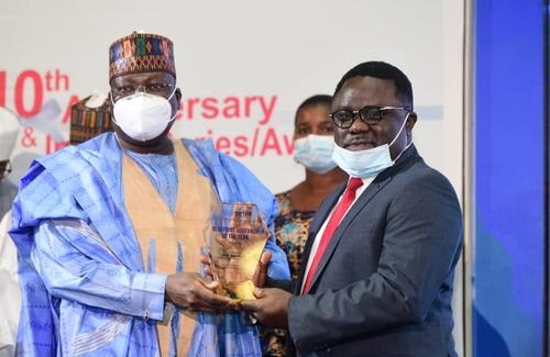 Ayade wins Blueprint Newspaper Governor of the Year award