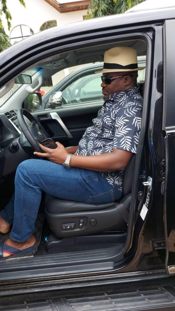 Gov Ayade gifts Cross River APC Reps members Land Cruiser SUVs