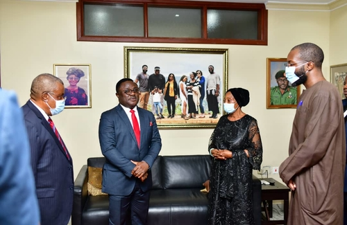 Ayade visits late General Ukpo's family, says death unfair to Cross River